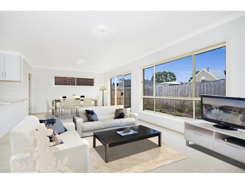 2/37 Armytage Street, Winchelsea, Vic 3241