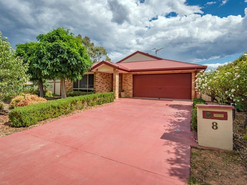 8 Dillwynia Crescent, Jerrabomberra, NSW 2619