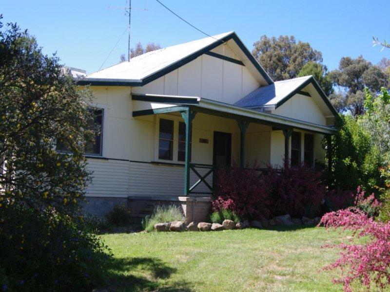 54 Kane Street, Mangoplah, NSW 2652