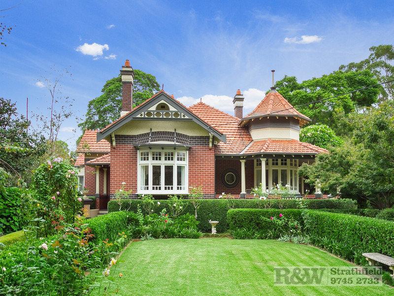 4 APPIAN WAY, Burwood, NSW 2134