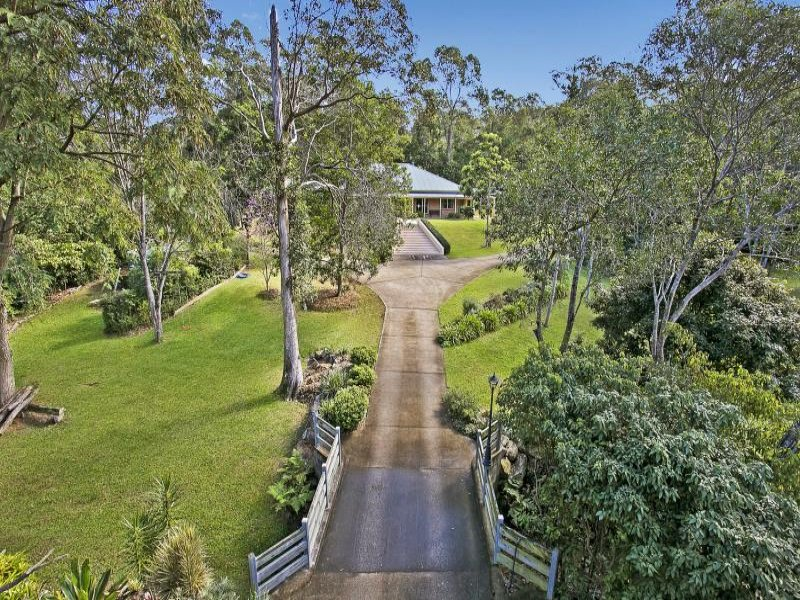 40 Peronne Place, Brookfield, Qld 4069