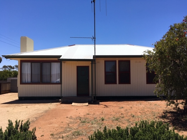 15 Threadgold St, Peterborough, SA 5422