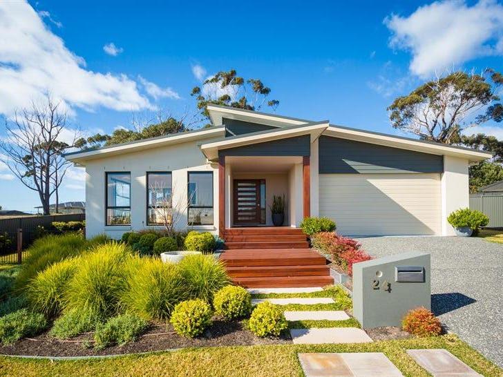 24 The Dress Cir, Tura Beach, NSW 2548