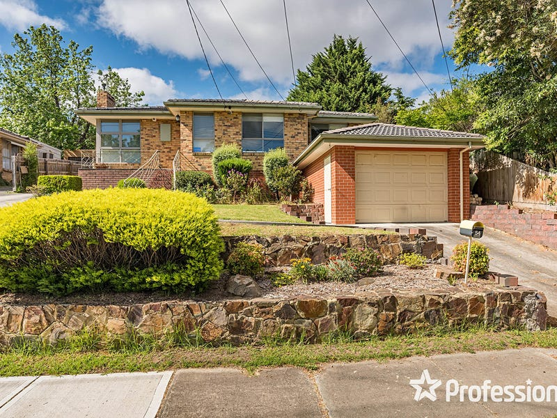 54 Cardigan Road, Mooroolbark, Vic 3138