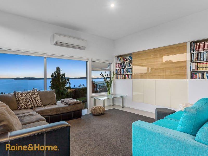 9 Thornton Close, Blackmans Bay, Tas 7052