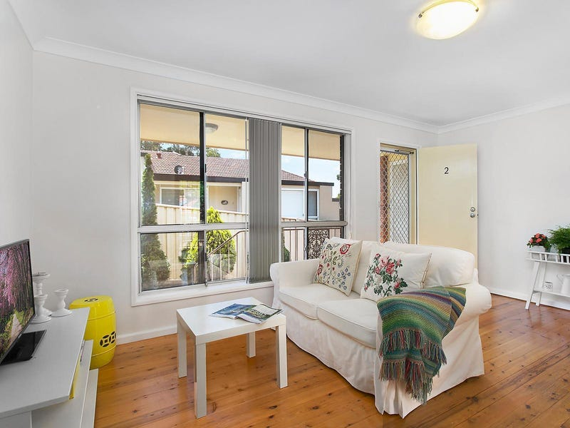 2/10 Buckle Crescent, West Wollongong, NSW 2500