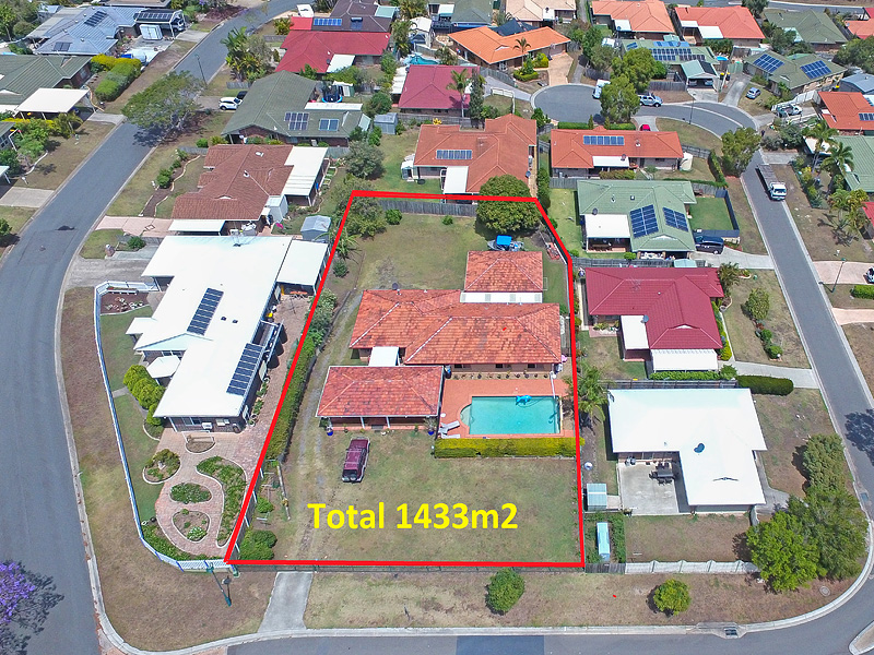 4 Poinciana Street, Wynnum West, Qld 4178