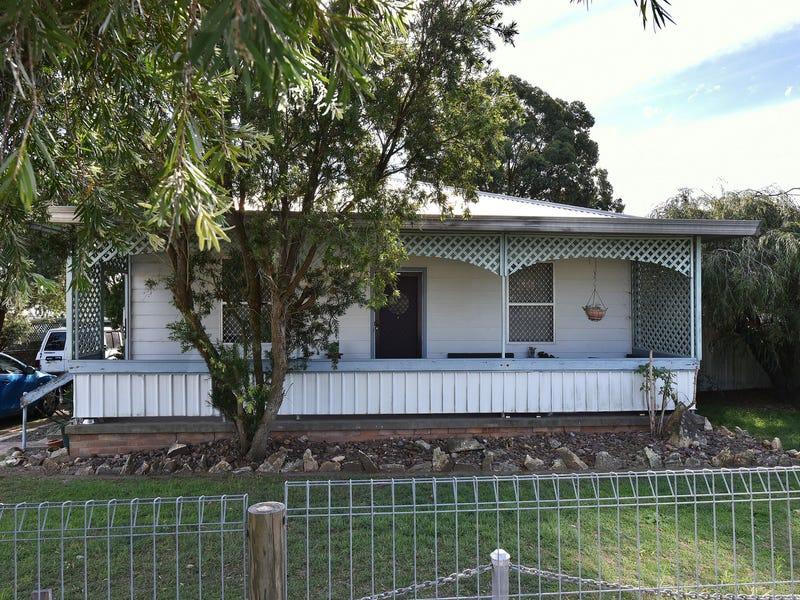 4 West Street, Greta, NSW 2334