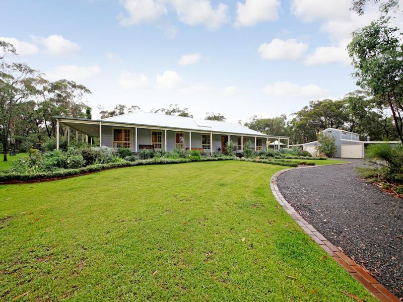 6 Emily Street, Balmoral, NSW 2571