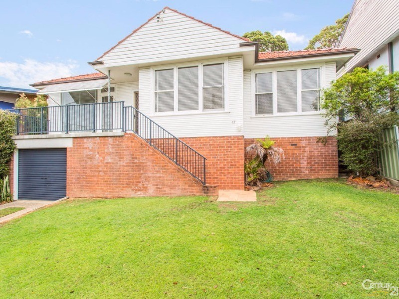 17 Valaud Crescent, Highfields, NSW 2289