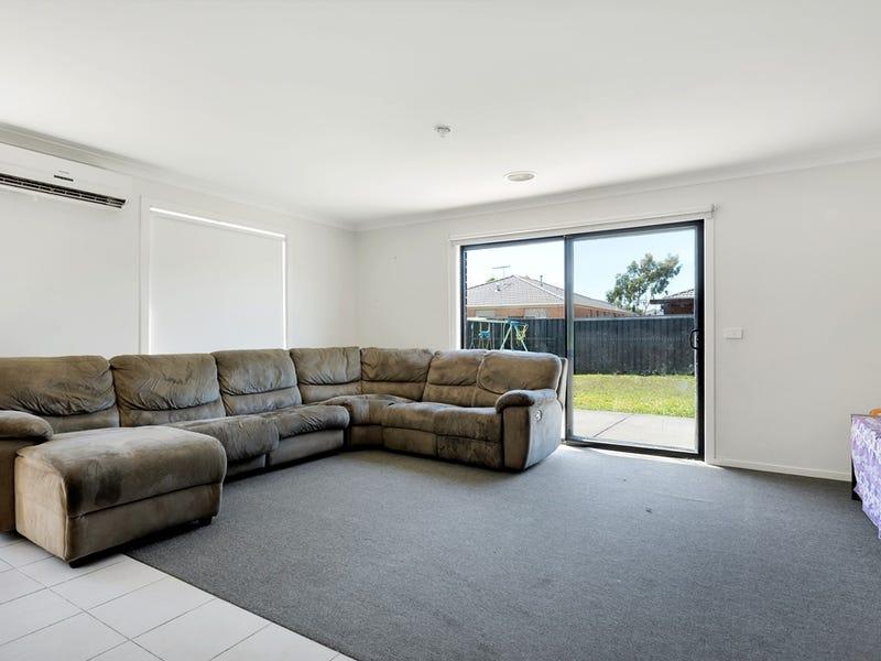 38 Hal Porter Terrace, Lynbrook, Vic 3975