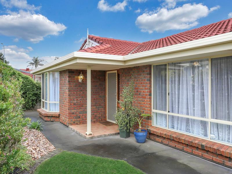 28 Petworth Pde, Greenwith