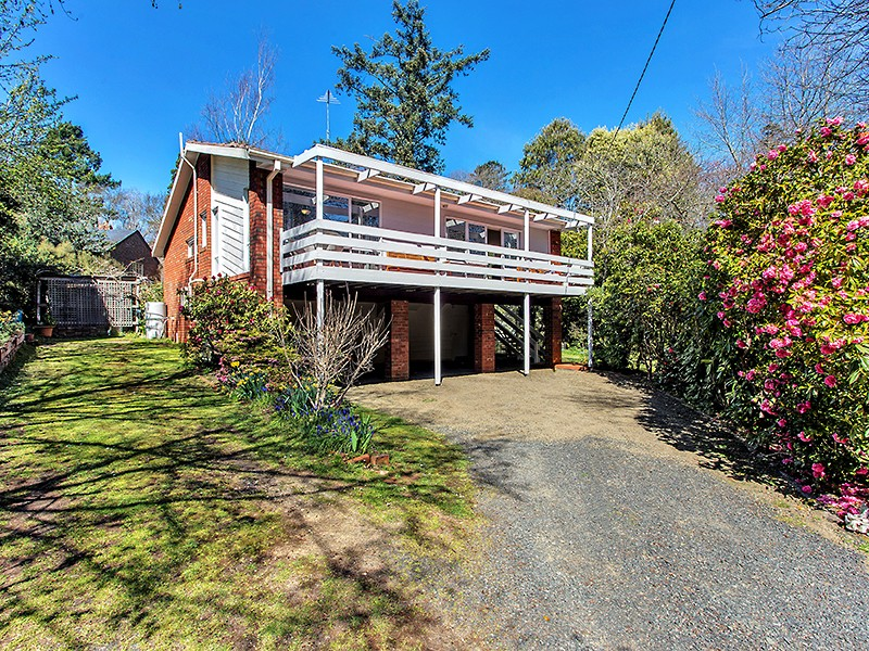 6 Coggers Lane, Mount Macedon, Vic 3441