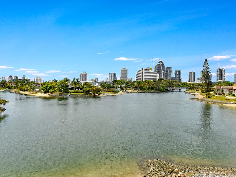 2/49 Hooker Boulevard, Broadbeach Waters, Qld 4218