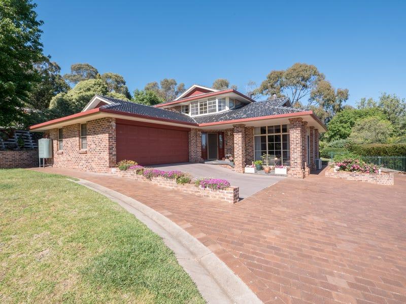 33 Bishop Crescent, Armidale, NSW 2350