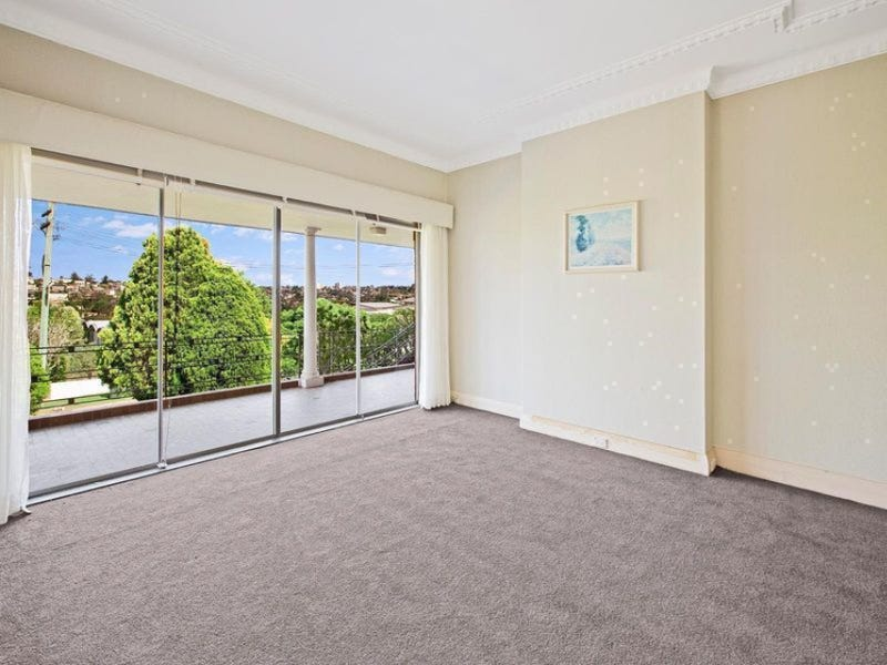 34 Coolawin Road, Northbridge, NSW 2063