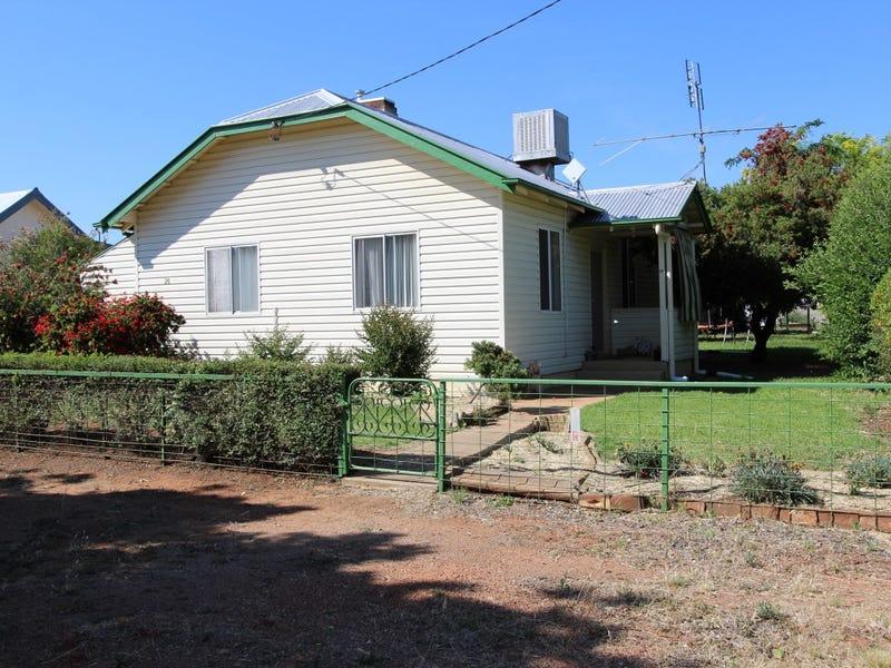 28 Cootamundra Rd, Temora, NSW 2666