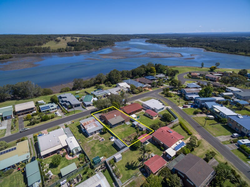 27 Crookhaven Drive, Greenwell Point, NSW 2540