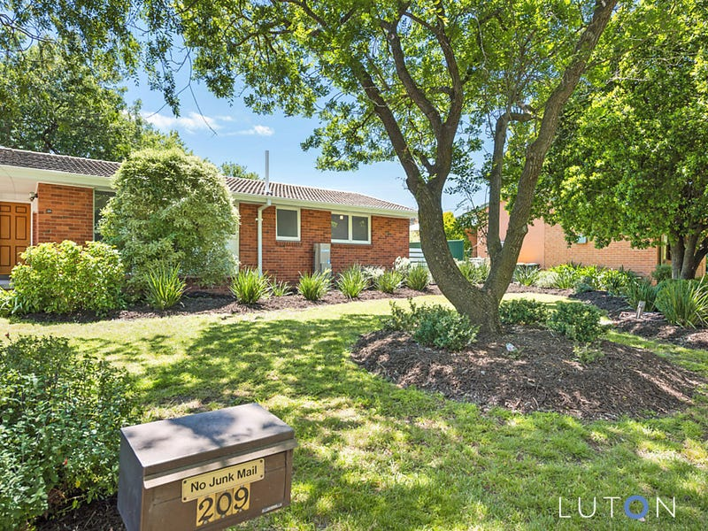209  Phillip Avenue, Hackett, ACT 2602