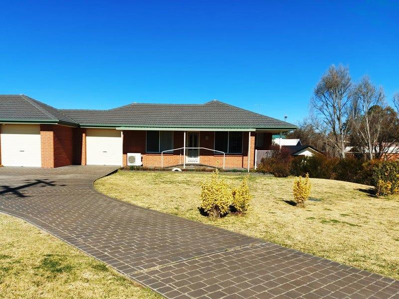 2/16A Hill Street, Uralla, NSW 2358