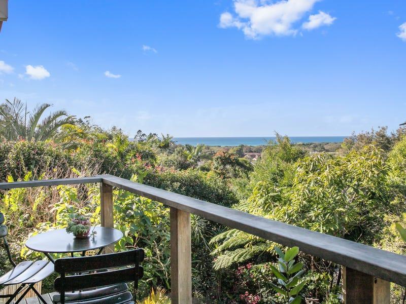 18 Goondooloo Drive, Ocean Shores, NSW 2483