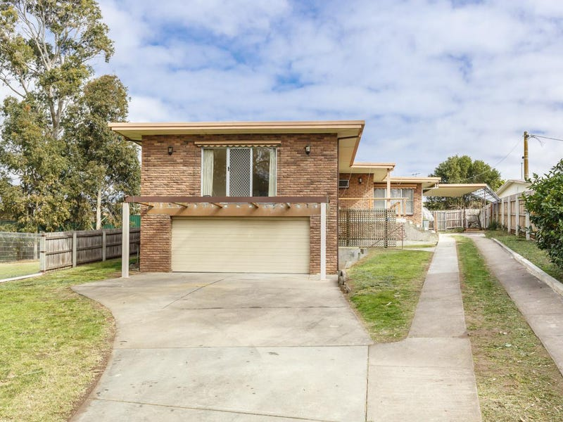 16 WILLOW Court, Sale, Vic 3850