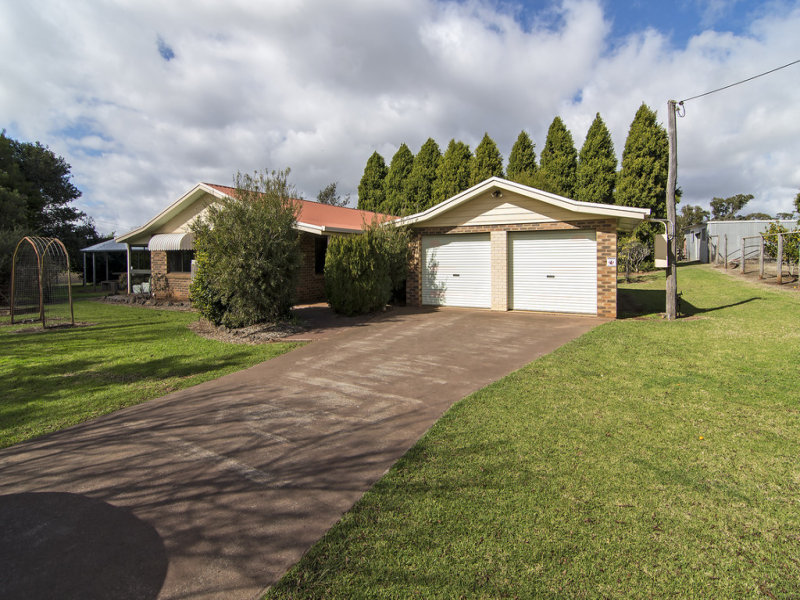 8 Rocklyn Street, Darling Heights, Qld 4350