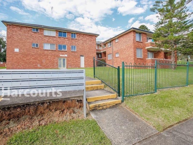 10/102 Dumaresq Street, Campbelltown, NSW 2560