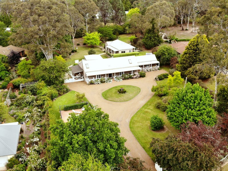 9 Greyleaves Avenue, Burradoo, NSW 2576