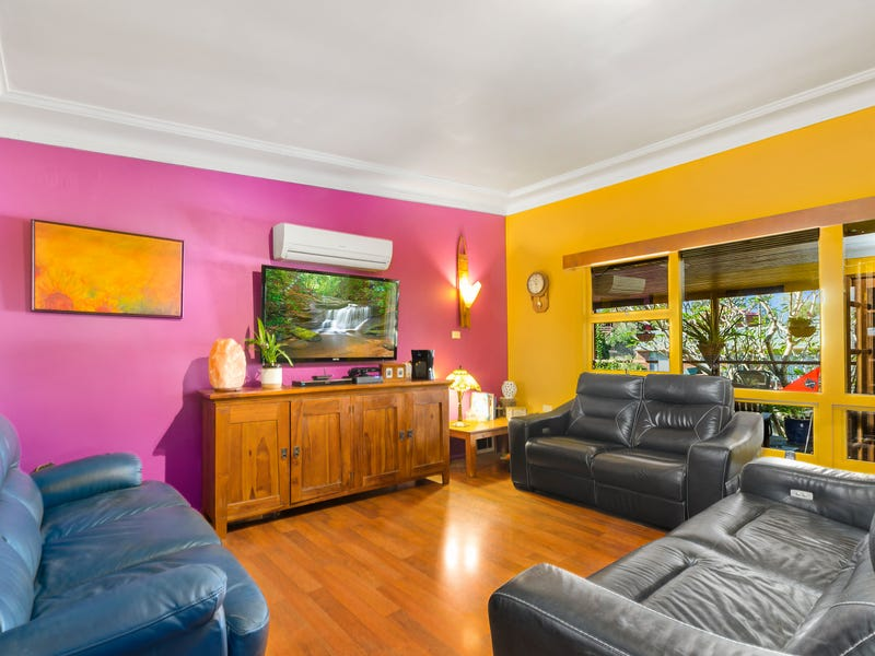 12 Booyong St, West Wollongong, NSW 2500
