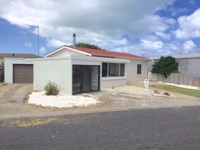 8 Elliot Street, Port Macdonnell, SA 5291