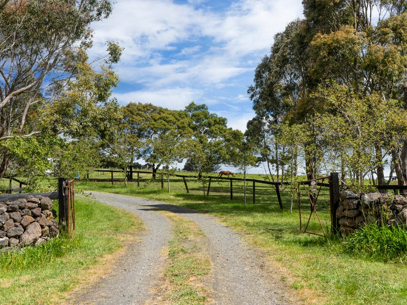 817 Ballan - Egerton Road, Mount Egerton, Vic 3352