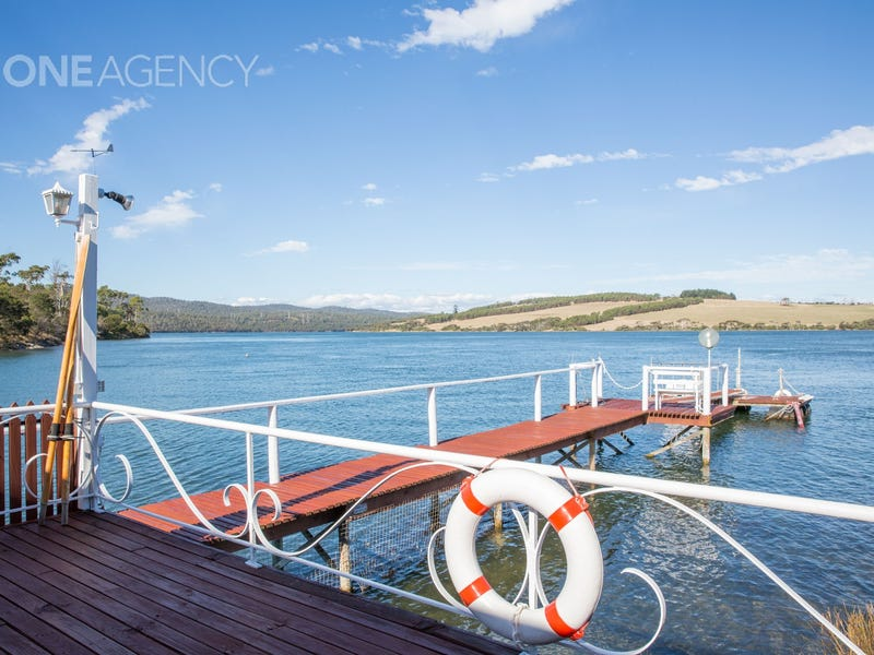 65 West Bay Road, Rowella, Tas 7270
