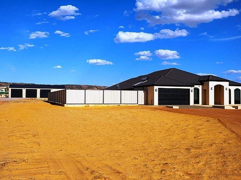 162 Wittenoom Circle, White Peak, WA 6532