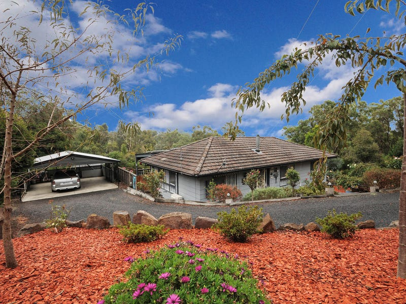 10 Hilltop Rise, Launching Place, Vic 3139