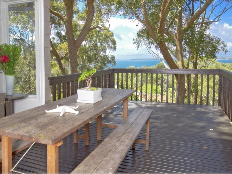 19  Bayview Avenue, Hyams Beach, NSW 2540