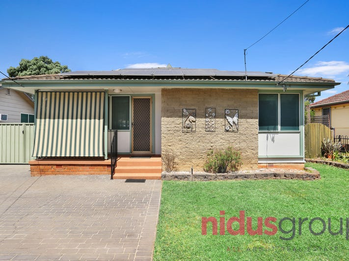 44 Sandakan Crescent, Lethbridge Park, NSW 2770