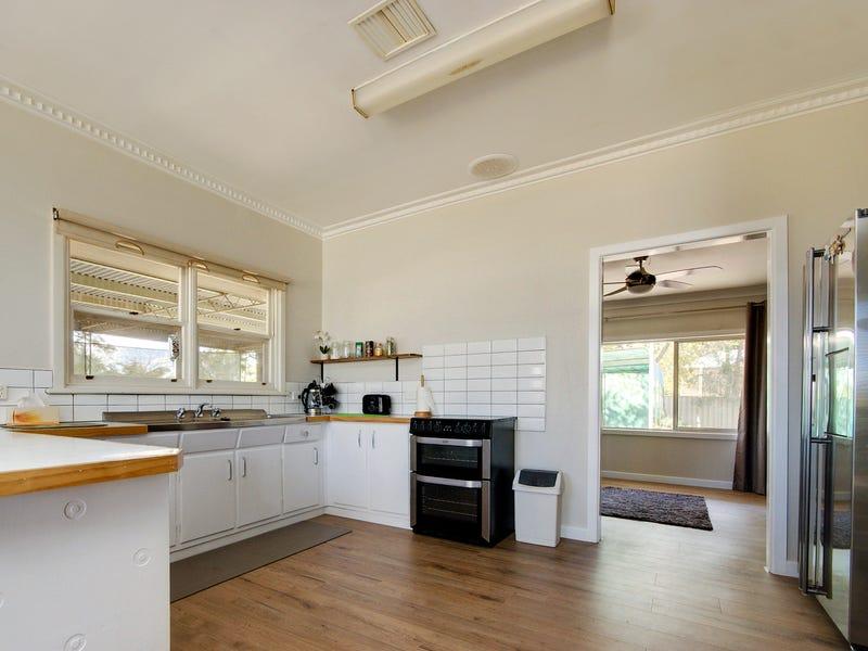 63 Decimus Street, Deniliquin, NSW 2710