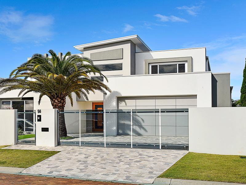 56 King Charles Drive, Sovereign Islands, Qld 4216