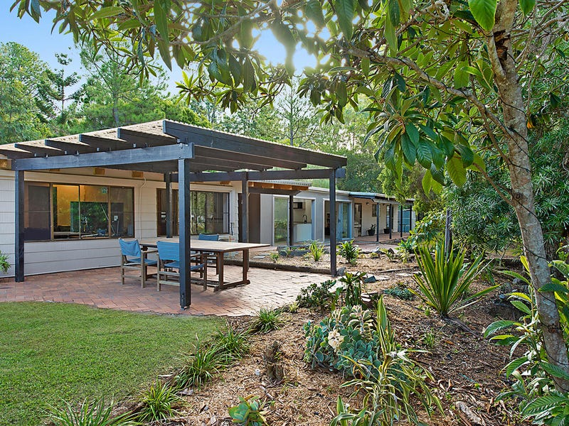 49 McCombe Road, Camp Mountain, Qld 4520