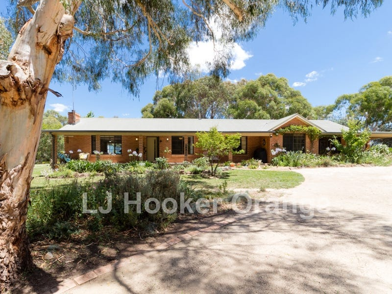 10 Don Peters Place, Orange, NSW 2800