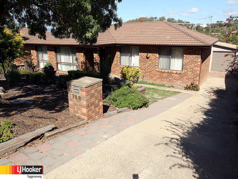 108 Jackie Howe Crescent, Macarthur, ACT 2904