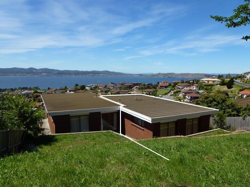 2/310 Churchill ave, Sandy Bay, Tas 7005