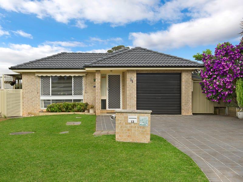 13 Falstaff Place, Rosemeadow, NSW 2560