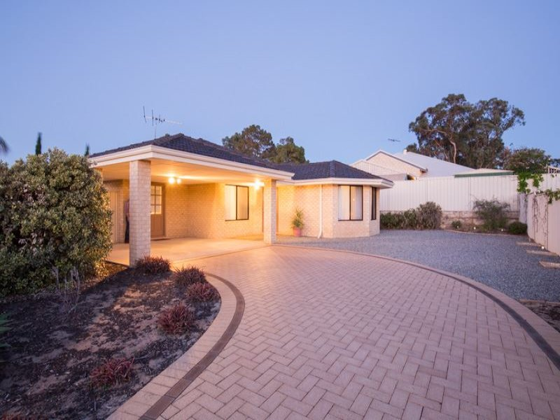 27 The Oval, Madeley, WA 6065