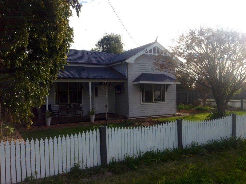 220 Henry Street, Deniliquin, NSW 2710