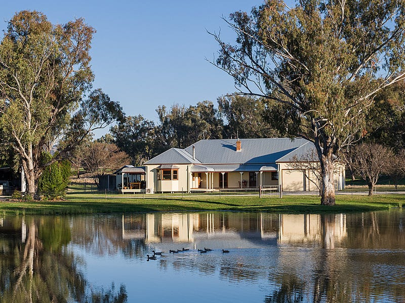 61 Pendene Road, Tamworth, NSW 2340