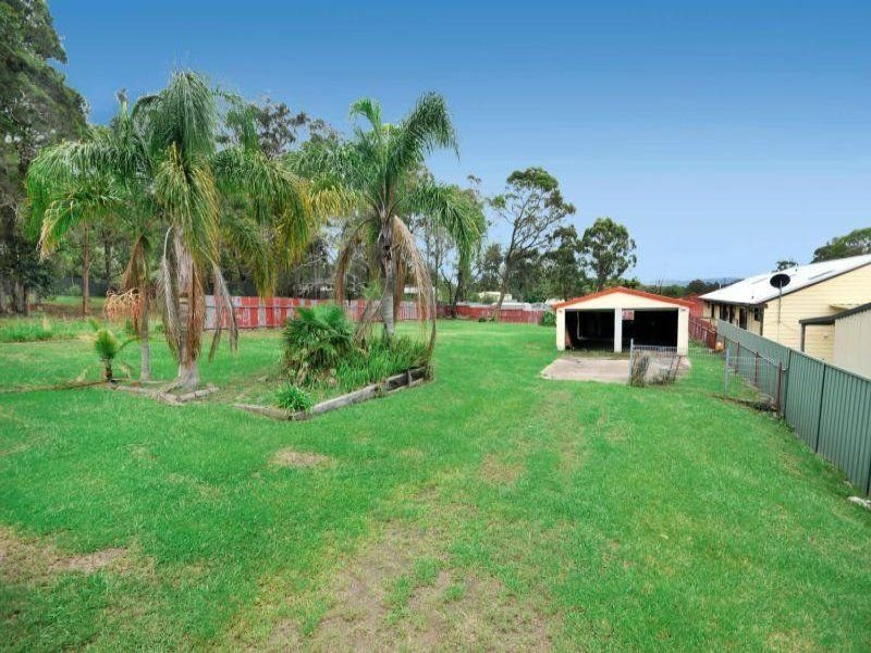4 Sackville Close, Killingworth, NSW 2278