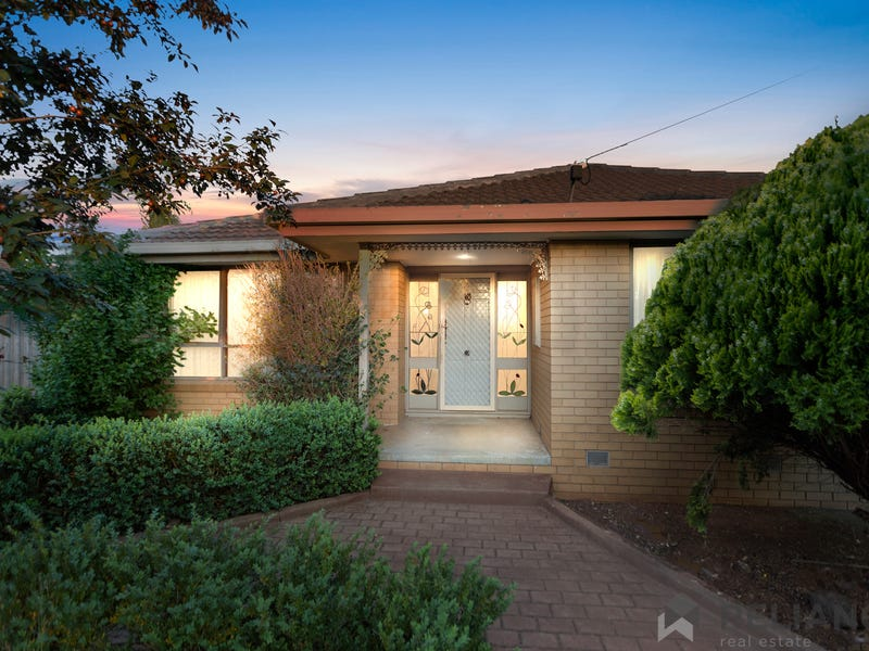 14 Eyre Street, Melton South, Vic 3338