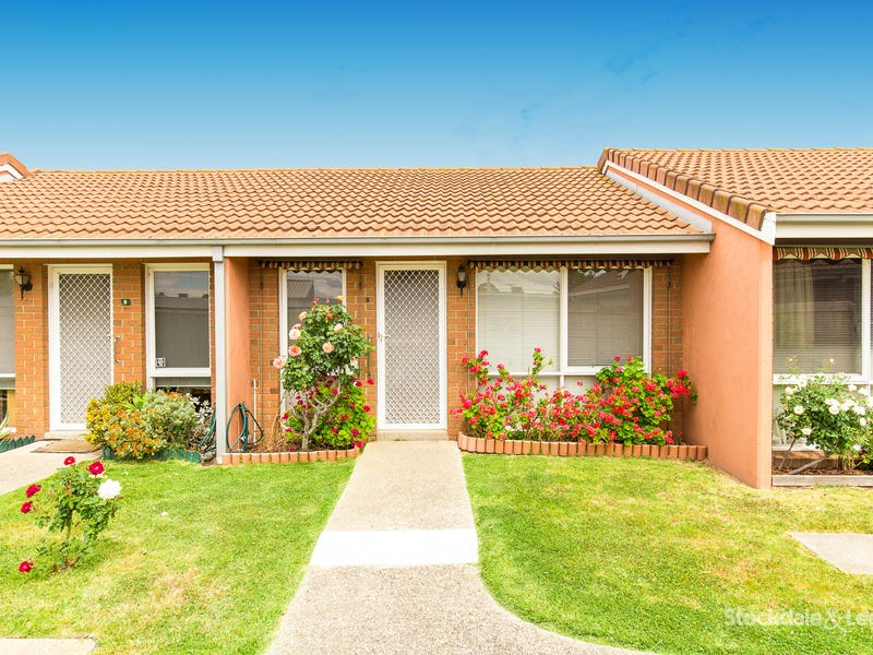 8/16 South Circular Road, Gladstone Park, Vic 3043